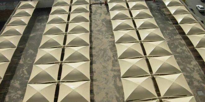 مظلات مخروطية وهرمية للاسواق